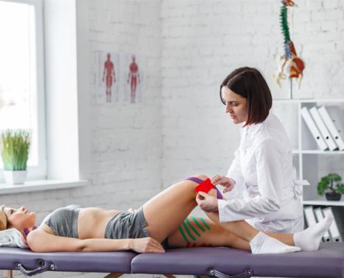 Athlete getting knee examination